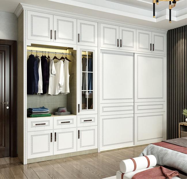 雪宝板材中国十大板材品牌定制衣柜有什么好处和坏处?有那